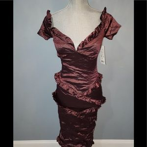 NWT Nicole Miller Dress, fits sz small mannequin